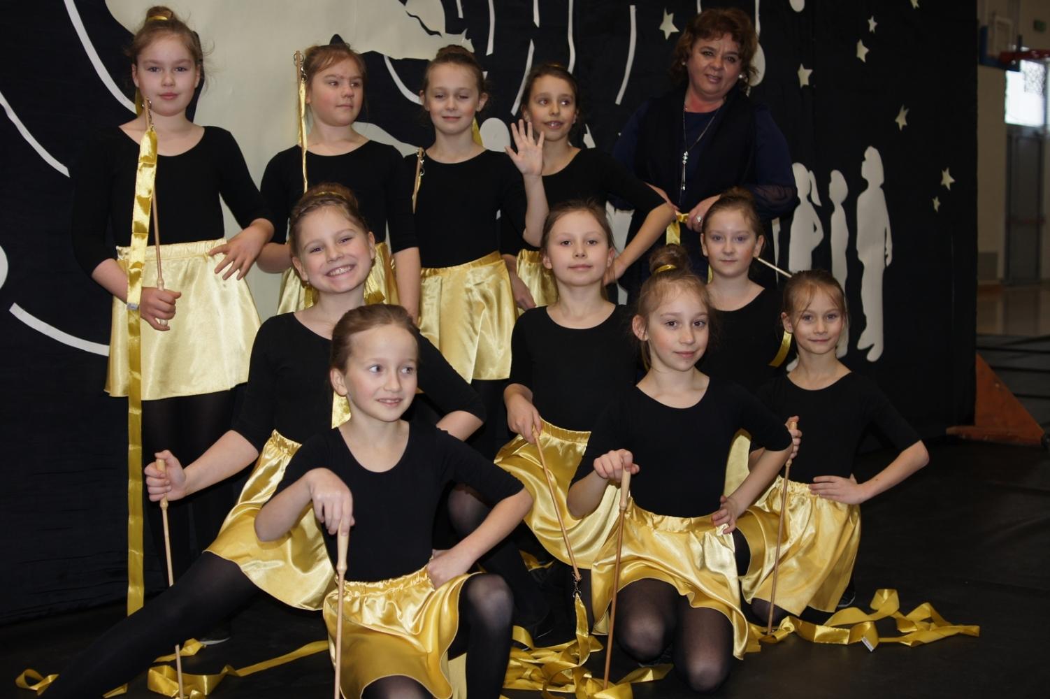 82b913b38c Akademia z okazji święta patrona Szkoły Podstawowej nr 1 im. Mikołaja  Kopernika w Ustrzykach Dolnych